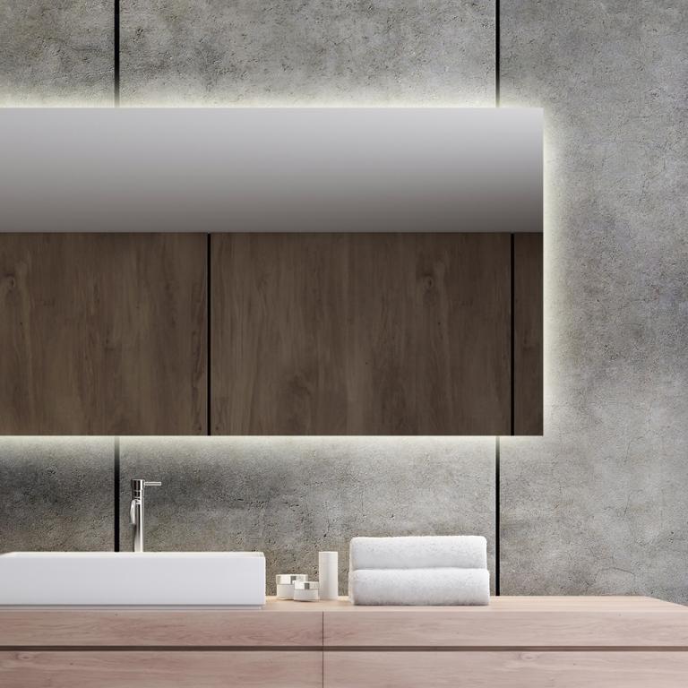 LED valgusega peegel Isabella (150x60cm)